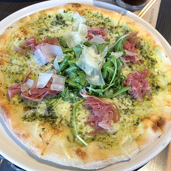 Prosciutto And Arugula Pizza @ Ruscello