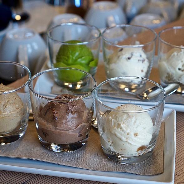 vegan ice cream @ Virtuous Pie