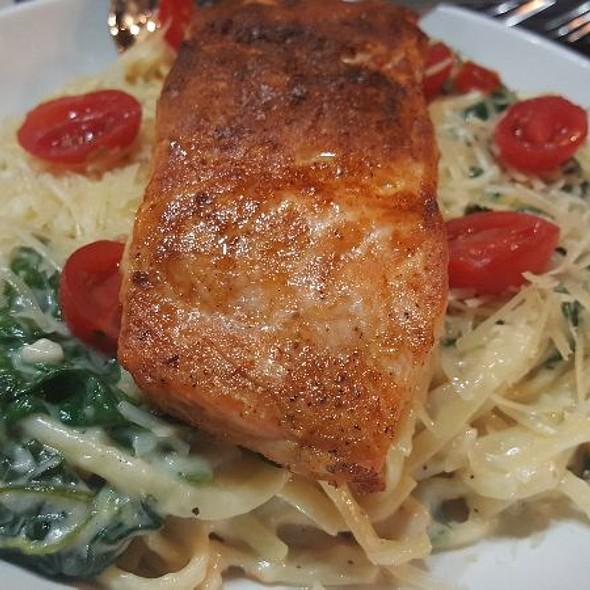 Salmon Fettuccini Alfredo