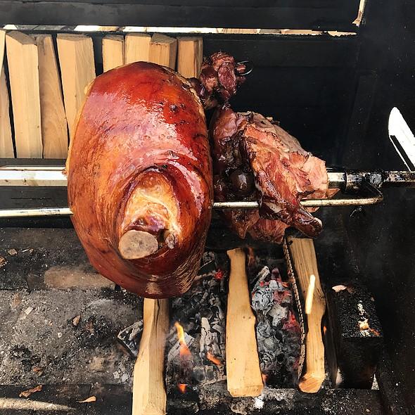 Pig-knee