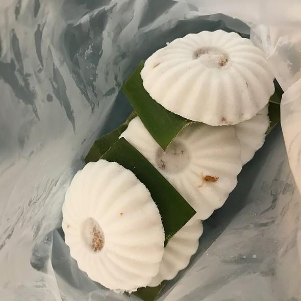 "Peanut TuTu Kueh @ Chinatown Tan's TuTu Coconut Cake 牛車水""嘟嘟""糕"