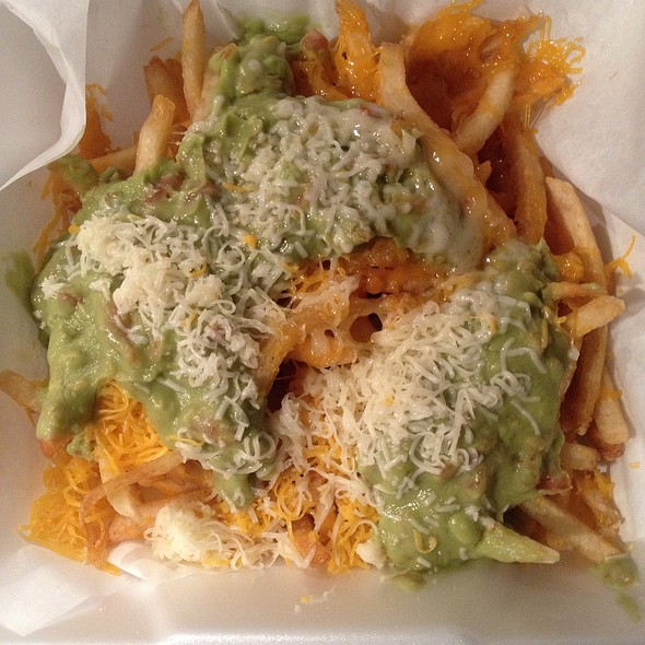 Fries With Guacamole And Cheese