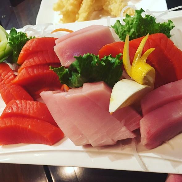 Wid Sockeye Salmon & Tuna Sashimi @ nikkyu japanese restaurant