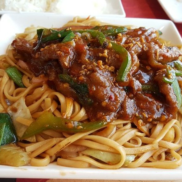Noodles With Beef Garlic