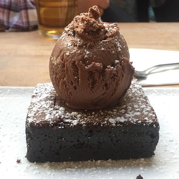 Chocolate Brownie And Very Chocolate Icecream