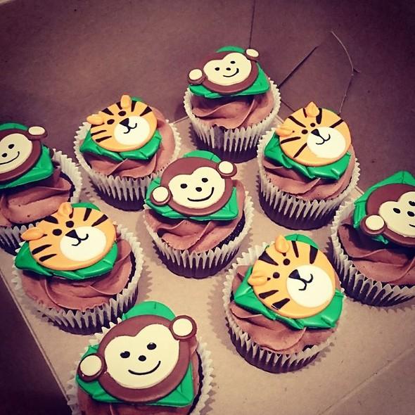 Jungle Baby Cupcakes