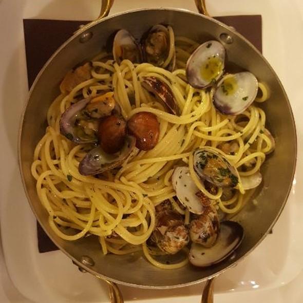 spaghetti vongole e bergamotto