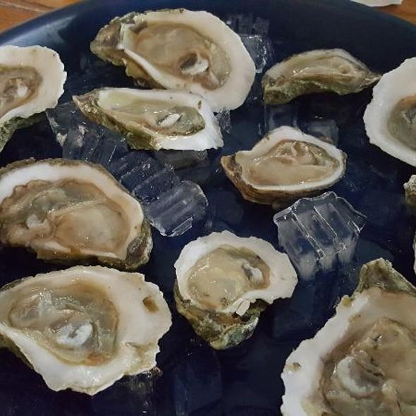 Oysters @ Firkin & Phoenix