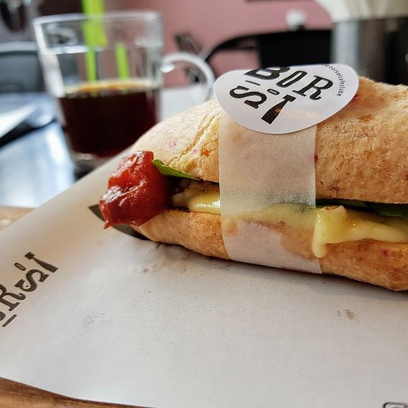 Sanduíche De Tomate Assado @ Borsoi Café Clube Pina