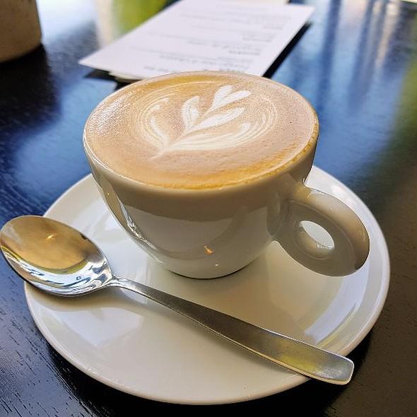 Capuccino @ Borsoi Café Clube Pina
