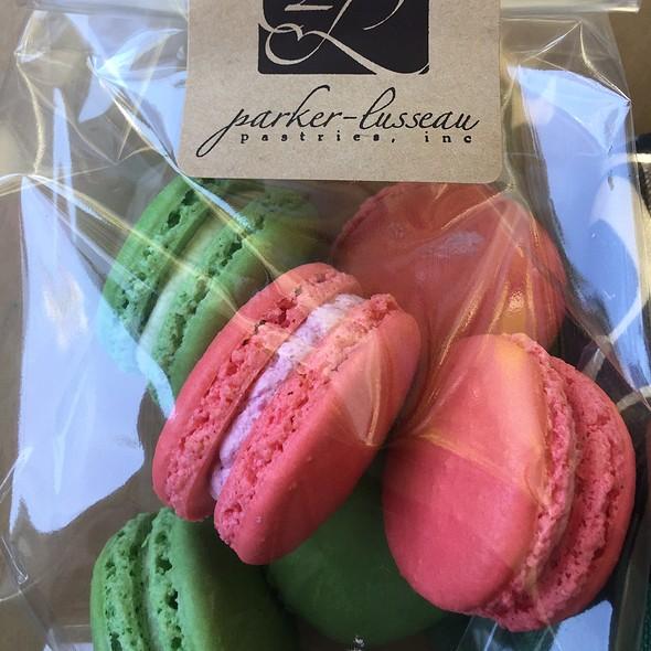 Pistachio Macarons @ Parker-Lusseau Pastries