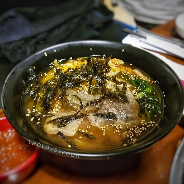 Naengmyeon 냉면 a.k.a Korean Cold Noodles @ The서민구이 - Seo Min Restaurant