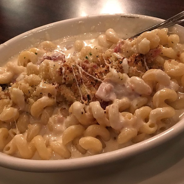 Bacon Mac & Cheese  @ Standard Diner