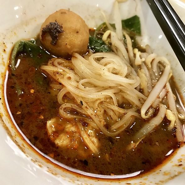 Mini Spicy Boat Noodles  @ THAI BOAT NOODLE
