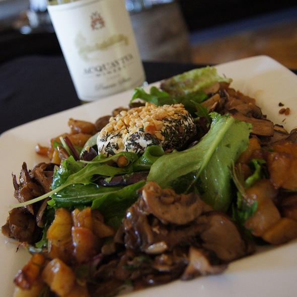Goat Cheese Salad @ Acquaviva Winery