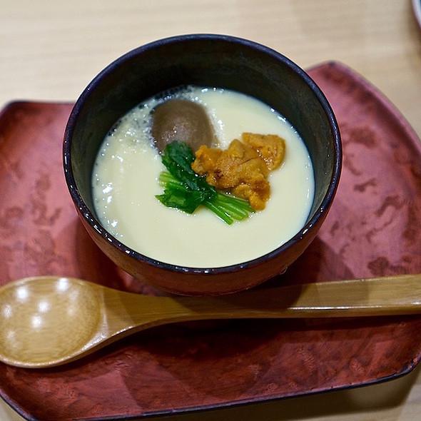 Chawanmushi – uni, mushroom, chestnut