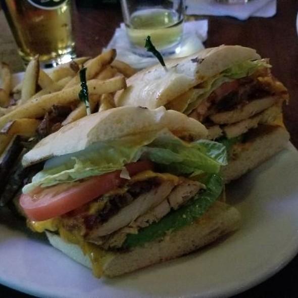 Chicken Sandwish  @ Smith's Bar