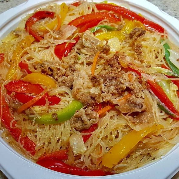 Beef and Vegtables Rice Noodles