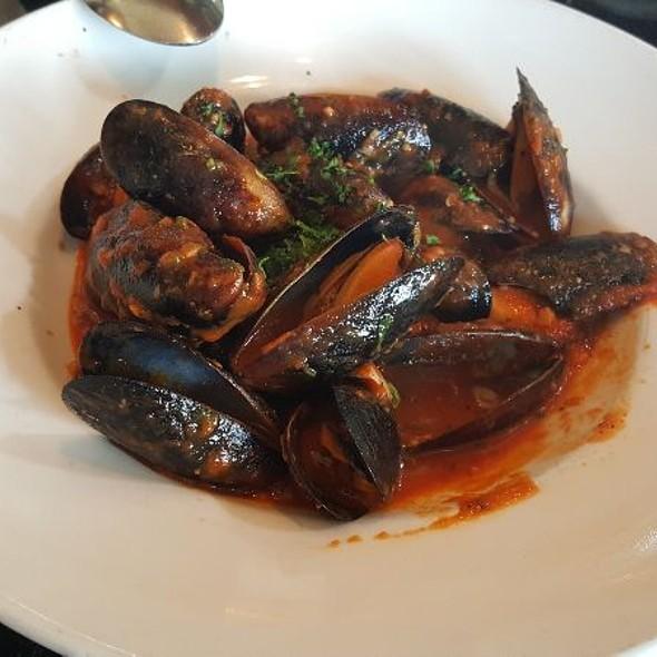 Mussels Marechiaro @ Grotto Ristorante