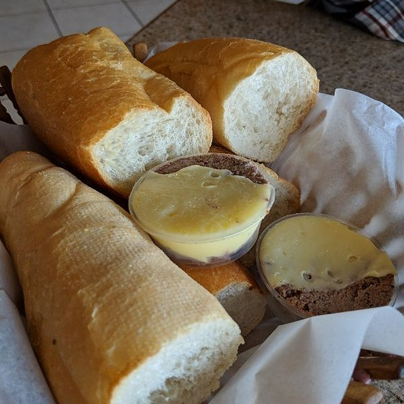 Bread w/ Patè & Butter