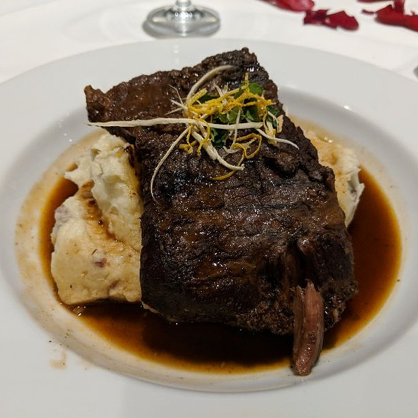 Boneless Braised Short Rib