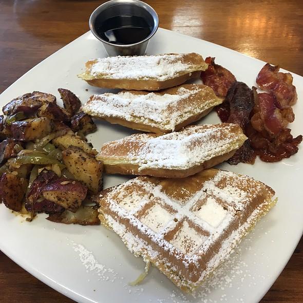 Waffles And Bacon @ South Market