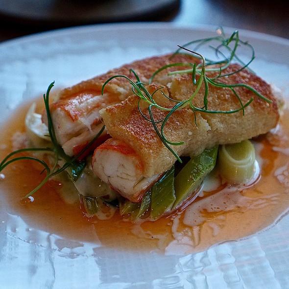 Butter poached Alaskan king crab, star anise leek etouffe, sea samphire, parmesan crust