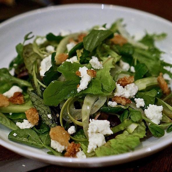 Ultra mesclun salad, shaved fennel, green asparagus, rice vinegar vinaigrette