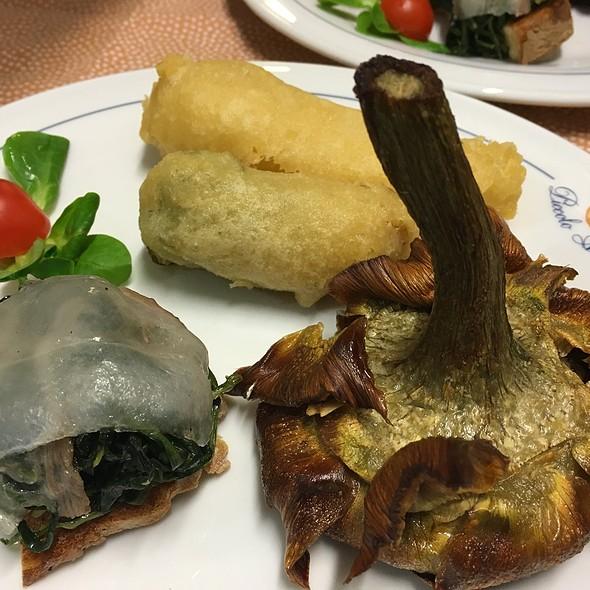 Carciofo alla Giudia, Filetto di Baccalà, Fiore di Zucchina e Bruschetta con verdura in padella e Lardo di Colonnata