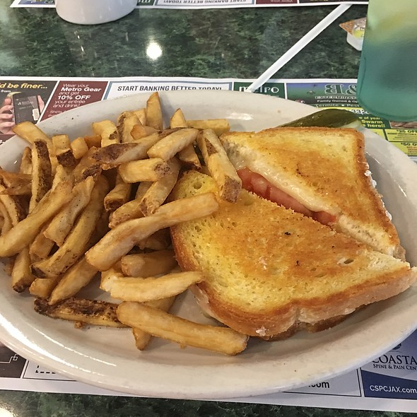 Grilled Cheese And Fries @ Metro Diner