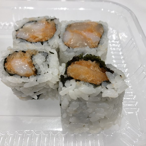Spicy Scallop Roll @ Osaka