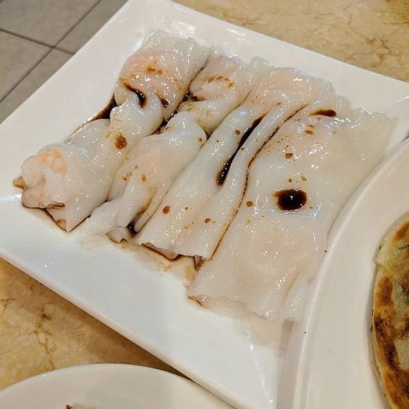 Shrimp Rice Crepe @ Emperor's Palace