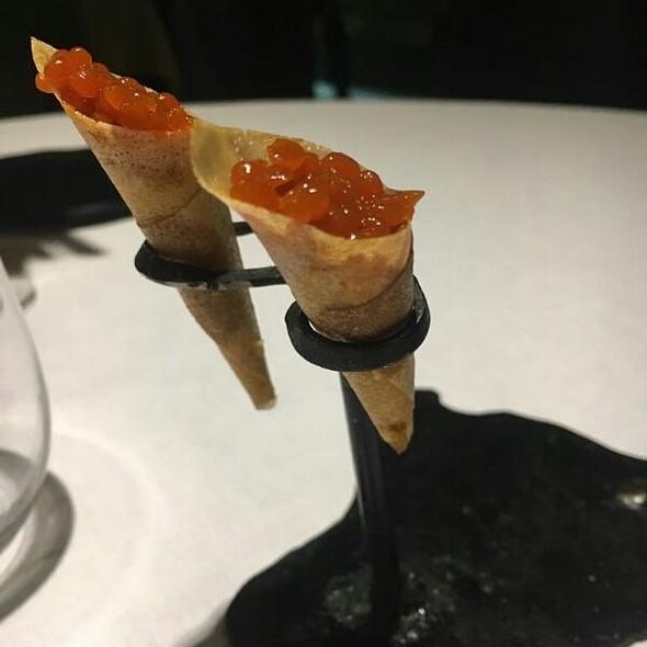 Conos De Bacalao Con Perlas De Pimiento Asado