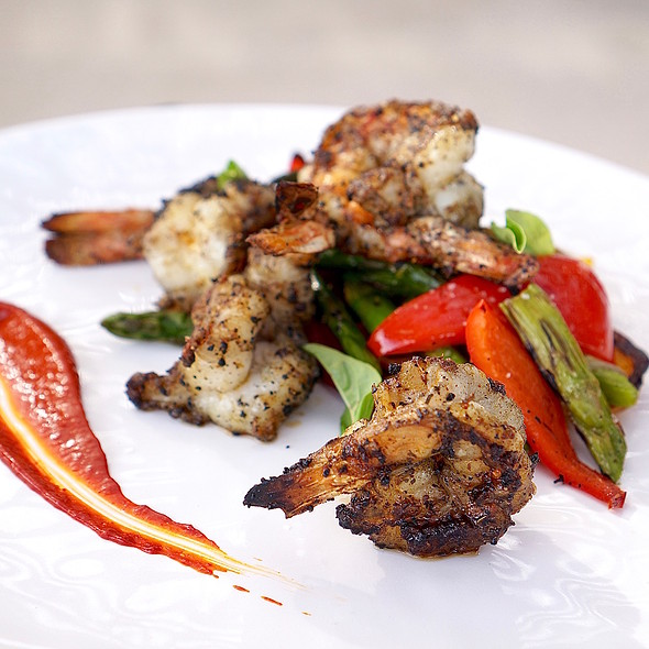 Spicy shrimp, roasted bell peppers, green olive, asparagus