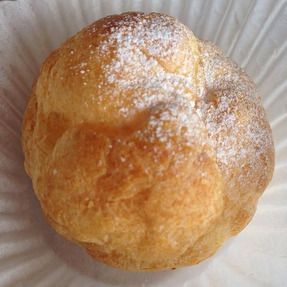 Cream Puff @ Paris Baguette
