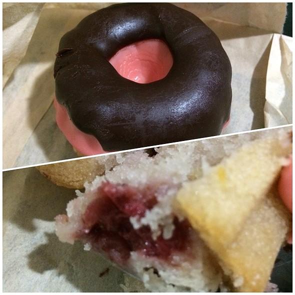 Valentine Cake Bomb
