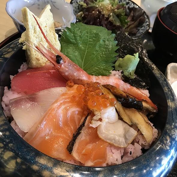 Kaisen Chirashi 海鲜ちらし丼  @ EN SAKABA 酒場