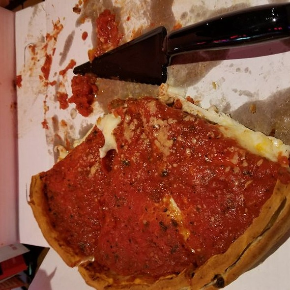 Deep Deep Dish Pizza With Pepperoni, Sausage And Onions @ Giordano's