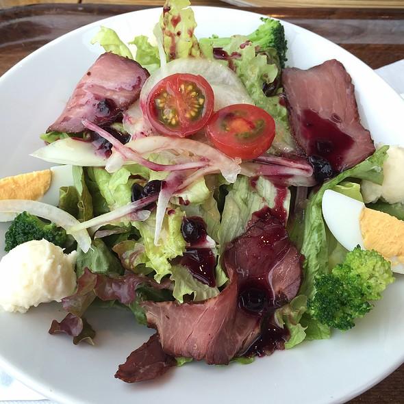 Roast Beef Salad