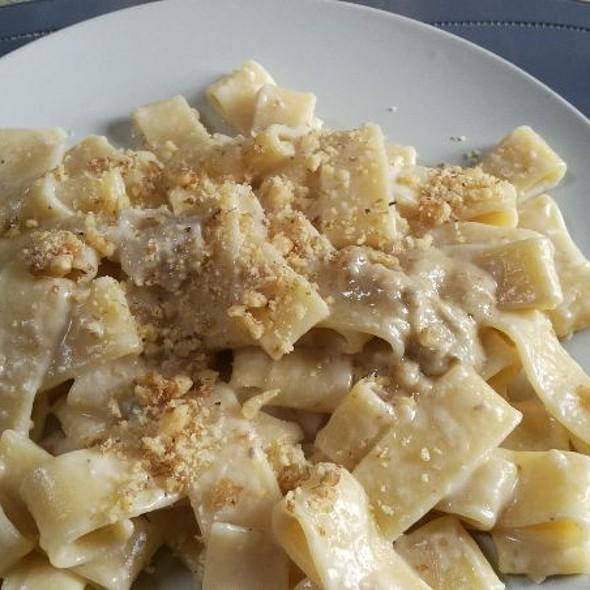 Pasta Gorgonzola E Noci @ Lucky Home 3 - Tuscany Edition