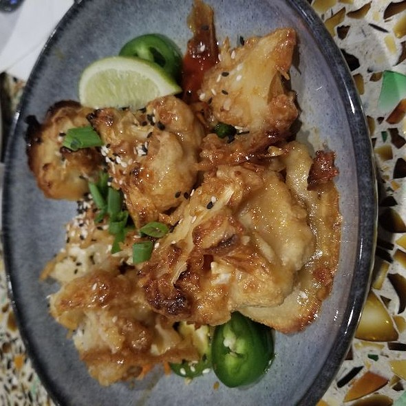 Kung  Pow Cauliflower Wings