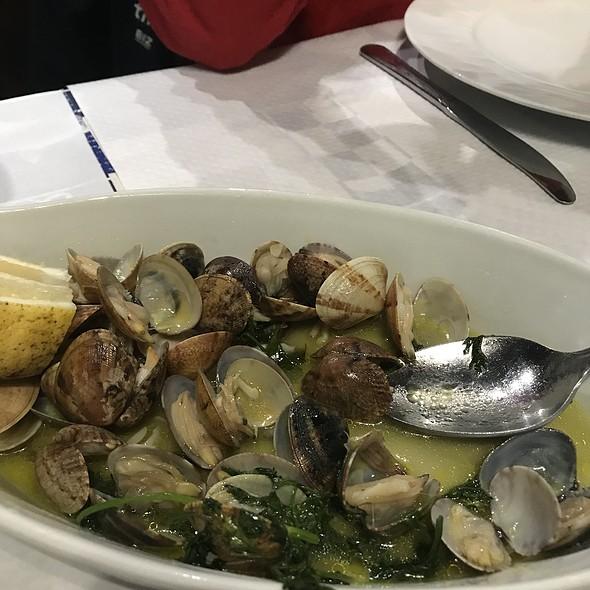 """""""Bulhão Pato"""" Clams @ Restaurante Mar De Areia"""