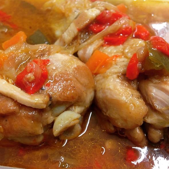 Pollo Al Chilindron