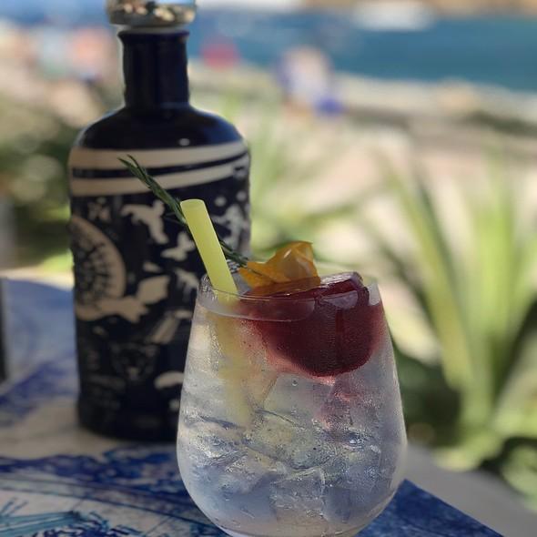 Rosemary Gin & Tonic
