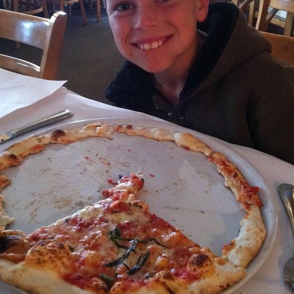 Pizza Margherita - Trattoria Grappolo, Santa Ynez, CA