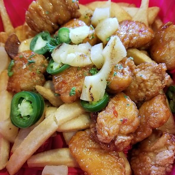 Island Heat Boneless Wings @ Red Robin Gourmet Burgers