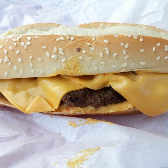 Extra Long Chilli Cheese Burger