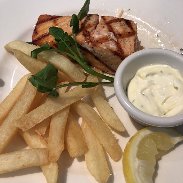 Grilled Salmon With French Fried