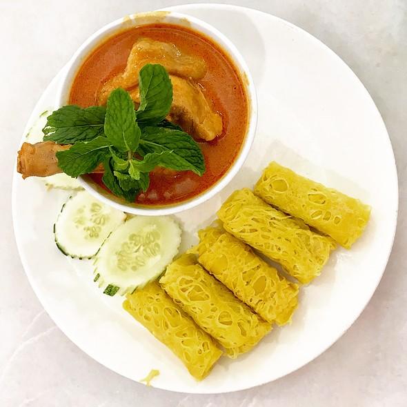Roti Jala & Curry Chicken