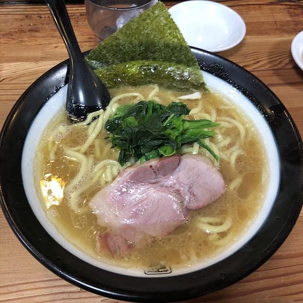 Tonkotsu Ramen With Thick Noodles